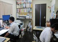 建築事務所の作業スペース